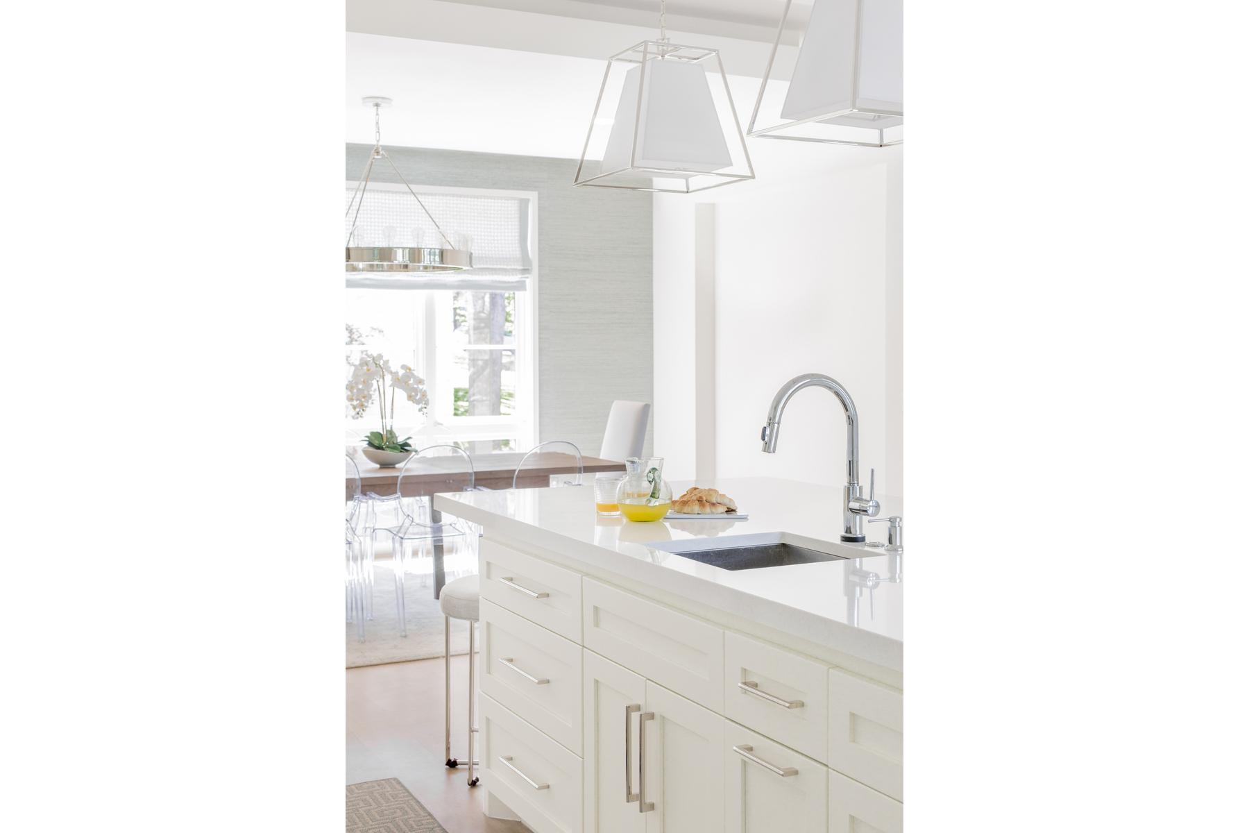 lake-austin-residence-kitchen-sink
