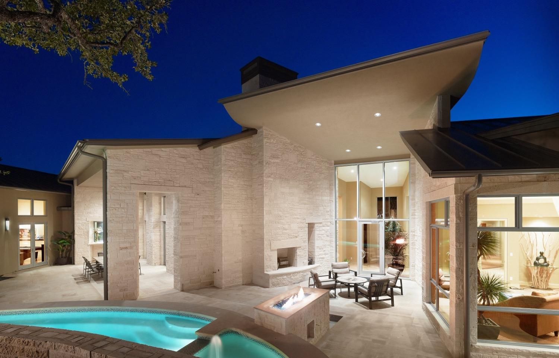 spanish-oaks-pool-patio