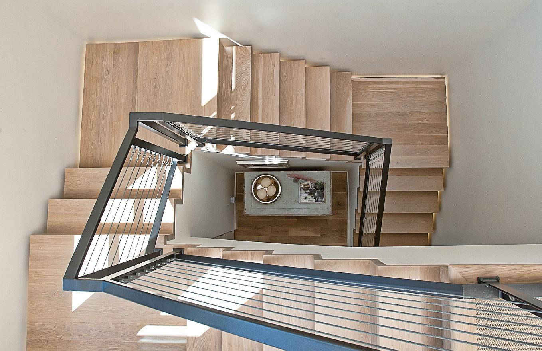 CatMountain-stairs-winding