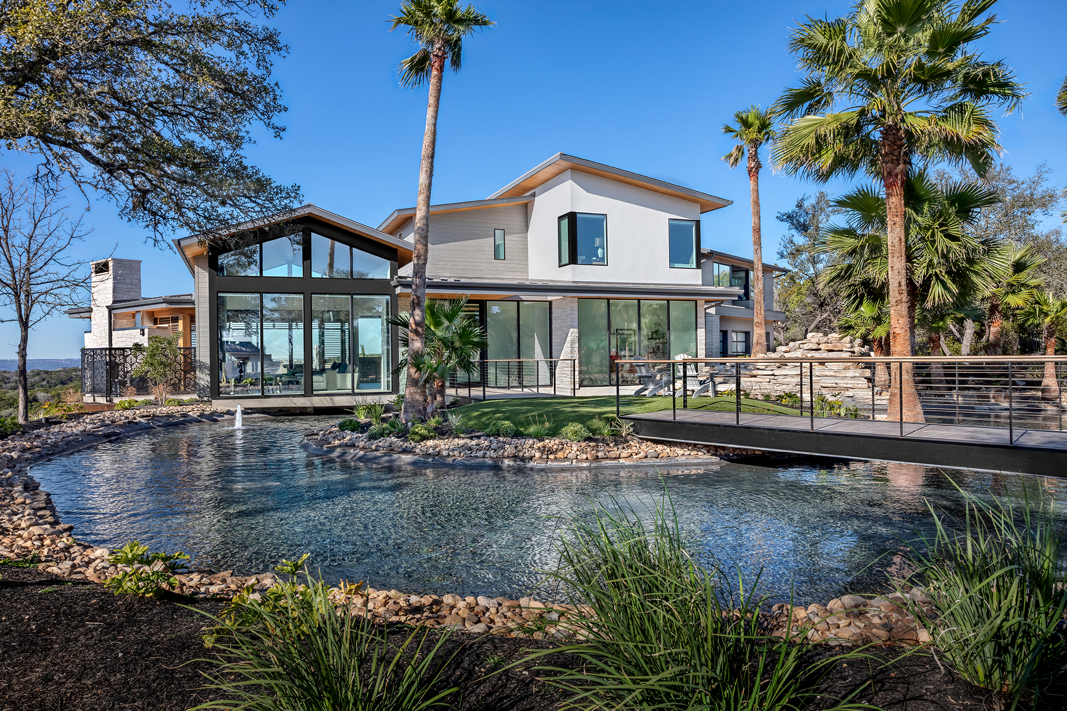 Two Coves Modern Exterior Pool