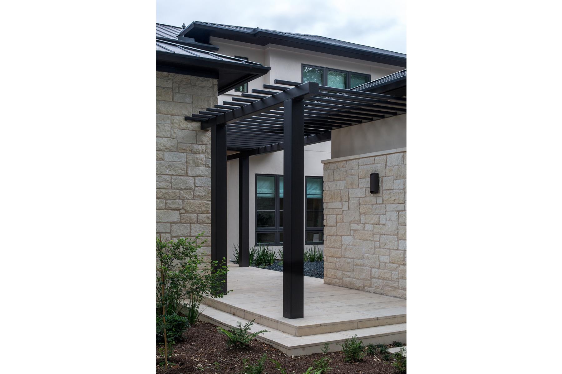 lake-austin-residence-patio