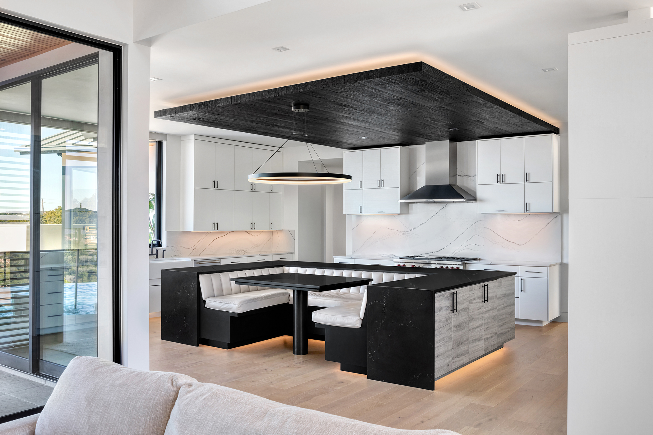 Two Coves Contemporary Kitchen Booth