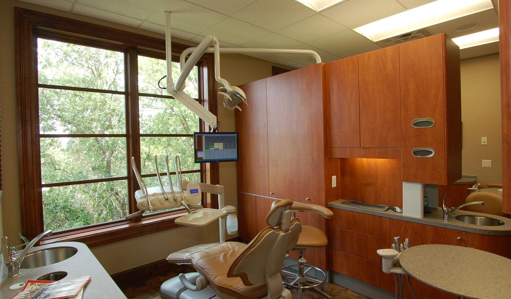 Lakeway Dental