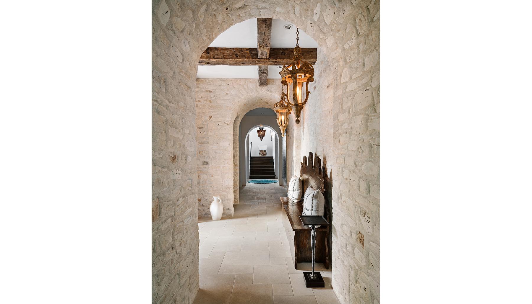 Island Knoll Tuscan Hallway