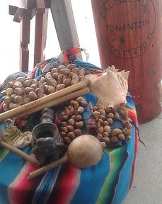 huehuetl sonaja ayacaxtli tambor native american drums instruments