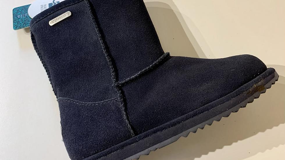 EMU Brumby Lo waterproof sheepskin boots in Navy K11829