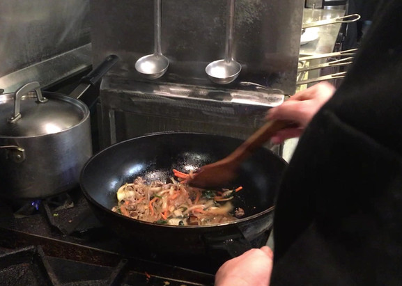 Chef Oh Stirfrying Noodles