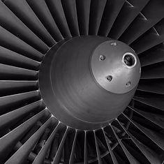 turbine-590354_1280-900x900.jpg