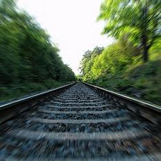 rails-253134_1280-e1465899458856.jpg
