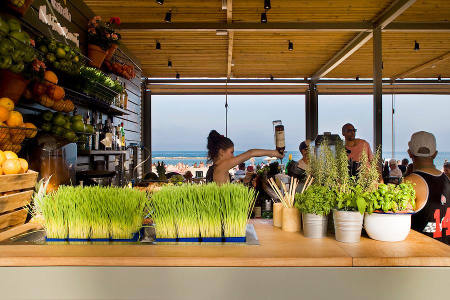 La-Guingueta-Barcelona-beach-bar-meritxellarjalaguer-05.jpg