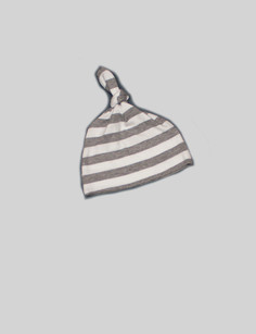 Grey knotted hat The knotted hat is the best part of theBjörkBox. It will look amazingly cute on your baby, its wonderfully soft and the grey and white stripes will suit any outfit you put together.