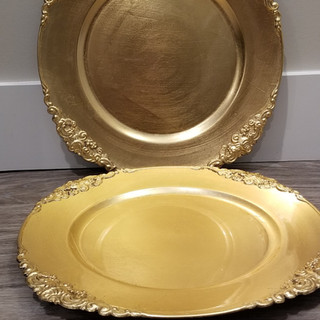 8x Gold charger plates