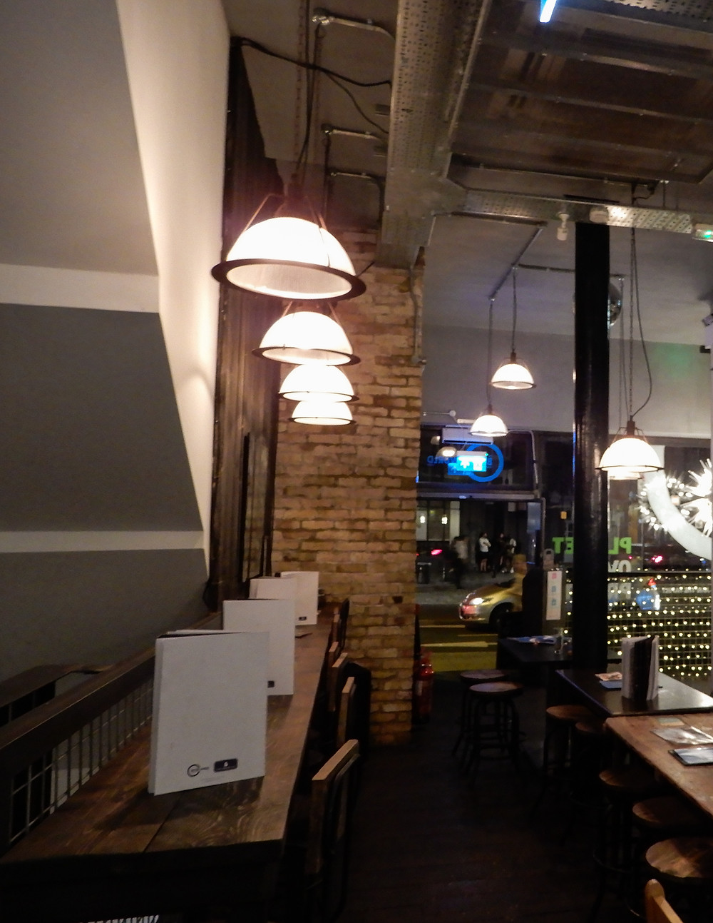 Inside The Green Grill | The Green Vic | The World's Most Ethical Pun | The Green Vic Review | Vegan Restaurant Review | The Dopey Vegan