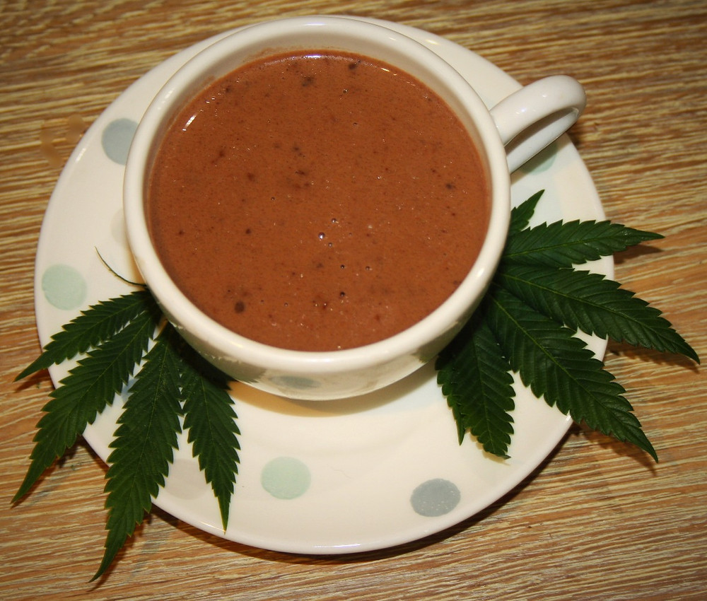 Cannabis vegan hot chocolate | 420 Weed Hot Chocolate | Vegan and gluten free recipe | The dopey vegan