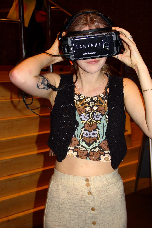 Using iAnimal Virtual Reality | Veggie World London Review | Vegan and Gluten Free Recipe | The Dopey Vegan