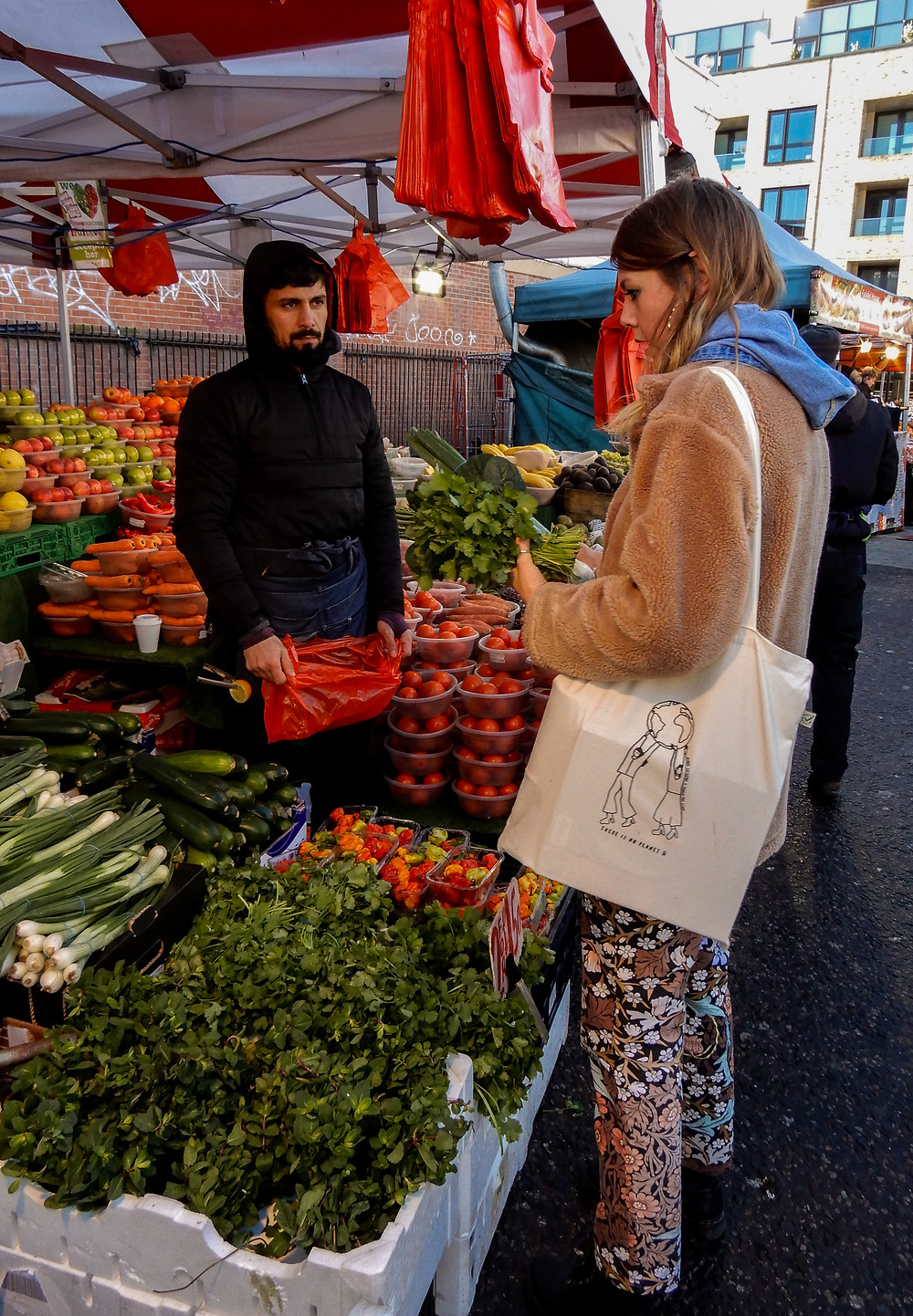 Shopping sustainably and vegan on a budget at Ridley Road Market | Vegan on a Budget 101 | Vegan guide to eating on a budget/cheaply | The Doepy Vegan