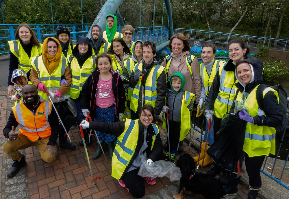 Everyone who came to take part in the River Pool Spring Clean | Great British Spring Clean | Litter Picking