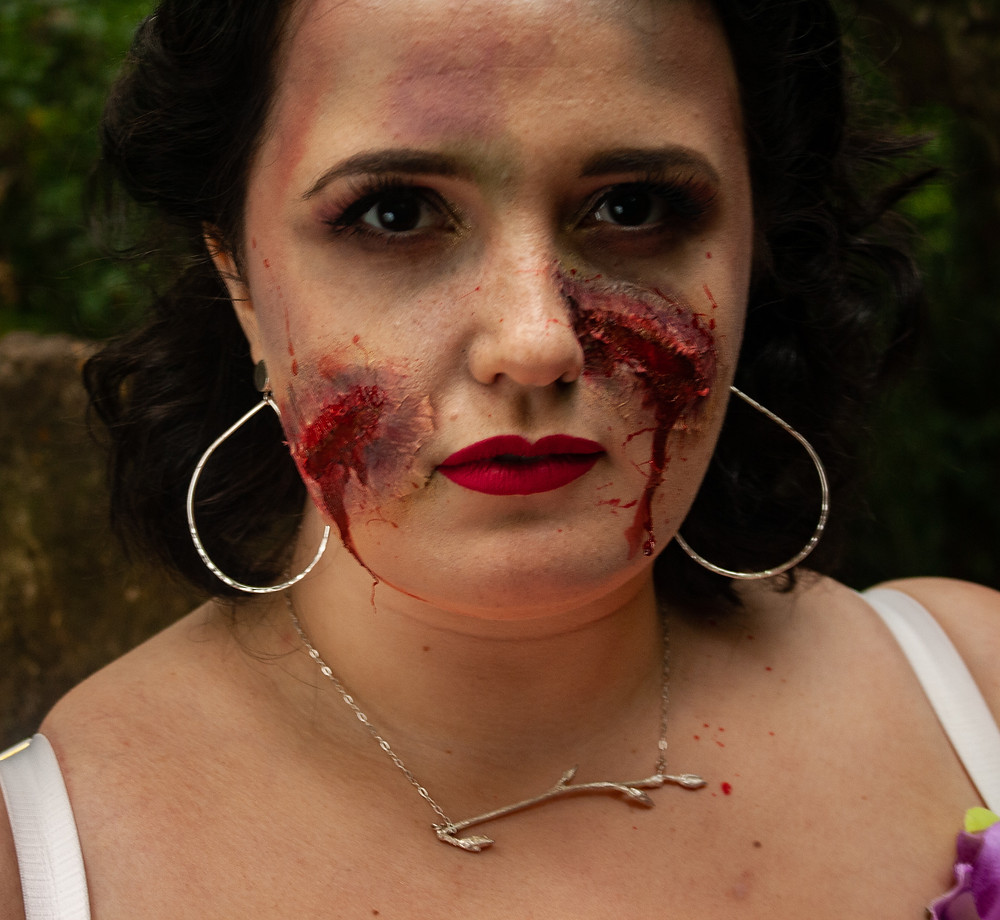 Close up of the Zombie Prom Queen makeup| Zombie Prom Queen | Ethical Halloween | Ethical and sustainable fashion | Ethical and sustainable fancy dress | The Dopey vegan x The Revival Collective
