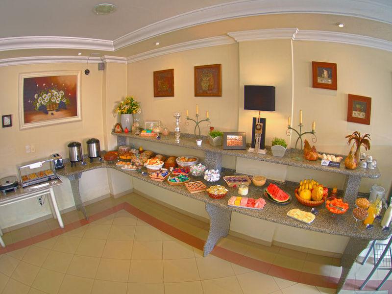 hotel-montana-cafepanfull21