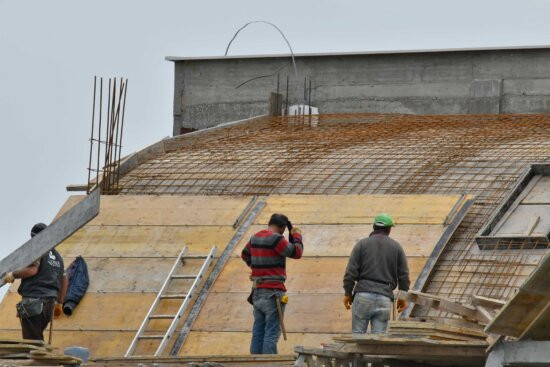 Picture of Roofers Doing Roofing Services Utah