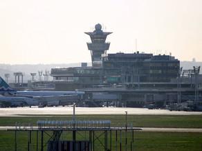 لأول مرة.. مهاجرون غير شرعيين يصلون إلى مطار أورلي الباريسي على متن طائرة خاصة