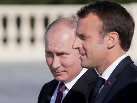 بوتين يرسل برقية تهنئة لماكرون بمناسبة العيد الوطني الفرنسي