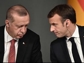 رسائل مشفرة بين فرنسا وتركيا