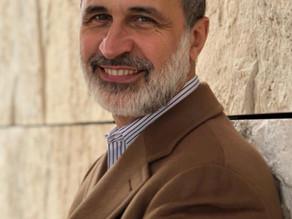 لقاء مع رئيس الإئتلاف السوري الأسبق أحمد معاذ الخطيب
