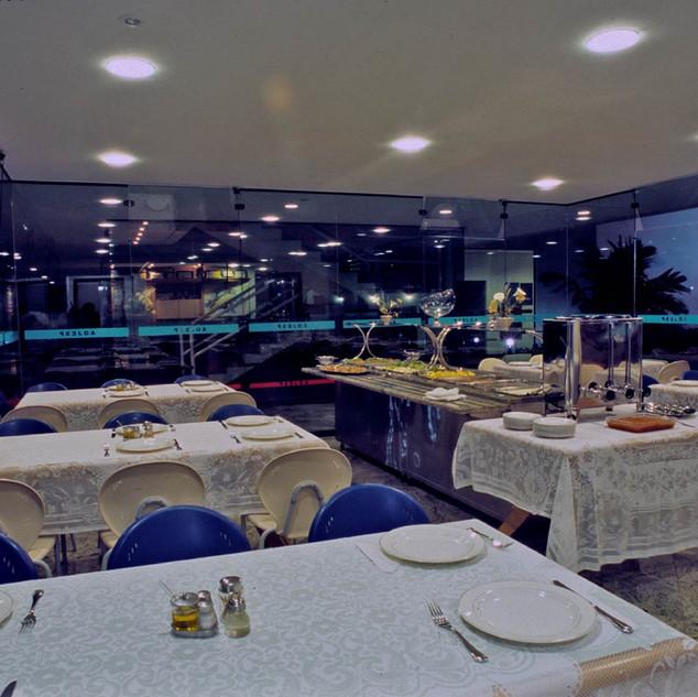 Restaurante à Noite