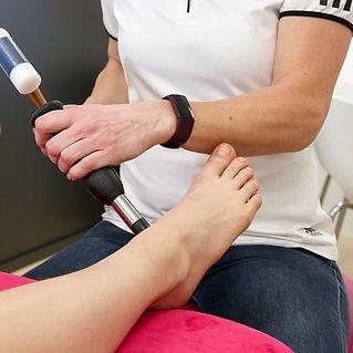 Manueeltherapie voet enkel.jpg