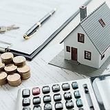 modelo-casa-agente-bienes-raices-cliente