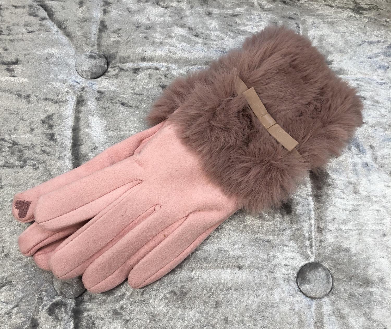 Thumbnail: Pink faux fur gloves