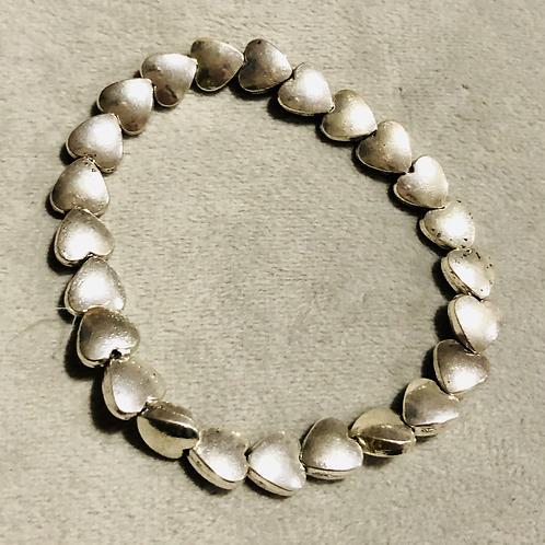 Elasticated heart bracelet
