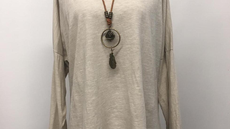 Basic tee & necklace