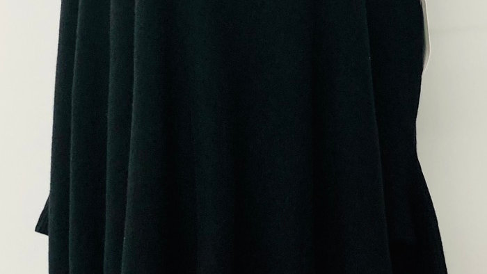 Tassel poncho black
