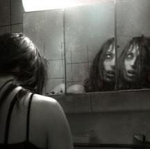 La vida detrás del espejo