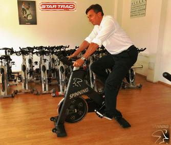 Tudi g. predsednik prisega na Spinner® kolo.