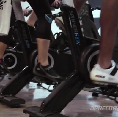 Dvignite kondicijo in vzpodbudite srčno vaskularni sistem na SPINNER® kolesih.