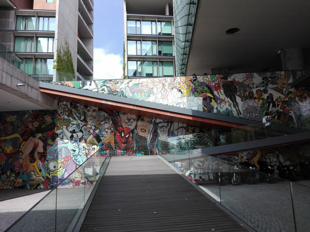 Lisbon_Street_Art_Expo.jpg