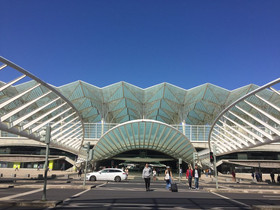Lisbon_Oriente_Train_Station.jpg