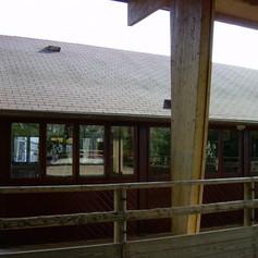 Le club house en bordure de manège