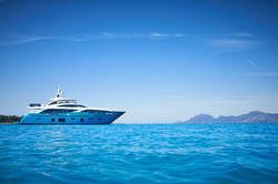 30m-exterior-turquoise-hull-my-anka-1
