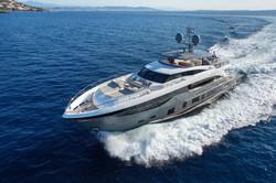 35m-exterior-grey-hull-7