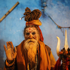 varanasi_night_sadhu_baba_portrait_old_man_hindu.jpg