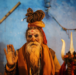 varanasi_night_sadhu_baba_portrait_old_man_hindu.jpg