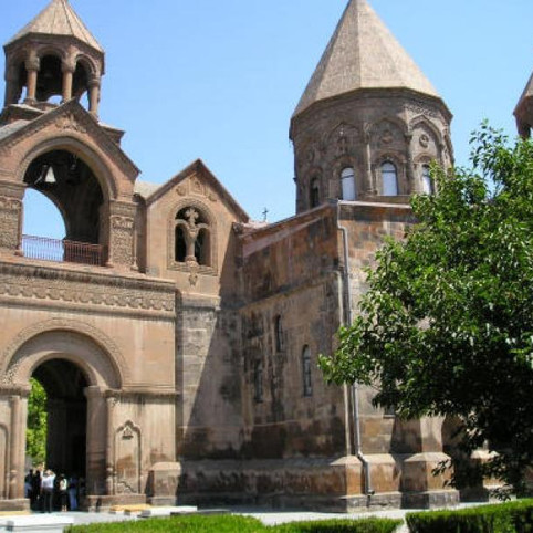 Echmiadzin-cathedral.jpg