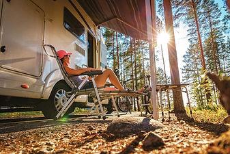 Photo femme Camping  Comp..jpg
