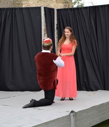 Král Vilém (Marek Cimirot) a Kateřina (Anita Bonková)