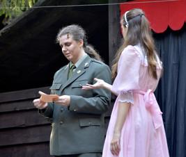 Čert (Aneta Cimirotová) a princezna Lenka (Anita Bonková)