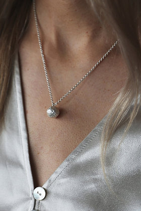 Tutti and Co Orb Necklace Silver